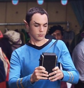 Sheldon_Cooper_dressed_as_Spock